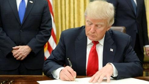 کاخ سفید: ترامپ برای آخرین بار تحریمهای ایران را تعلیق کرد/رئیس قوه قضائیه، رئیس زندان رجاییشهر و اعضای شورای عالی فضای مجازی در لیست تحریمی ها