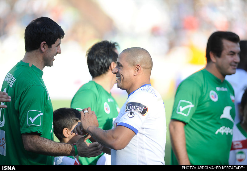 1440775462628 mirzazadeh 2 پیروزی پرگل ستارگان جهان مقابل ستارگان ایران+تصاویر