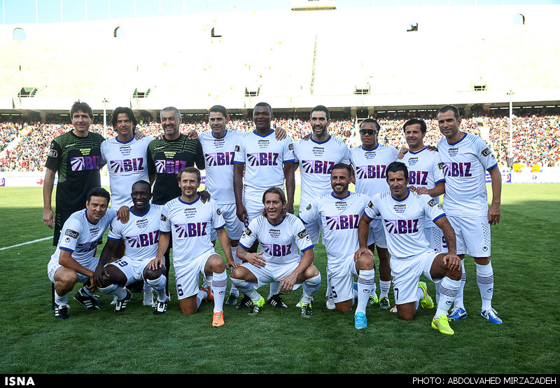 1440775462784 mirzazadeh 3 پیروزی پرگل ستارگان جهان مقابل ستارگان ایران+تصاویر